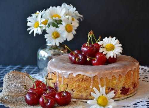 Healthy Desserts: Prepare Cakes Using Red Cherries